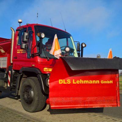 Schneepflug von DLS Lehmann für die Beseitigung von Schnee und Eis im Winterdienst für Thüringen und Hessen