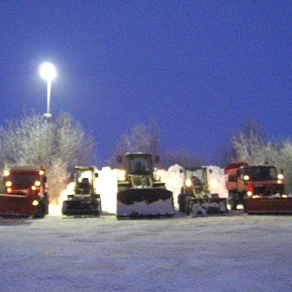 Vielseitige Fahrzeugflotte für den Winterdienst zur Schneeräumung und Beseitigung von Schnee und Eis